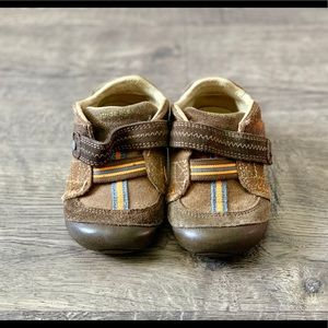 Little boys shoes size 5W